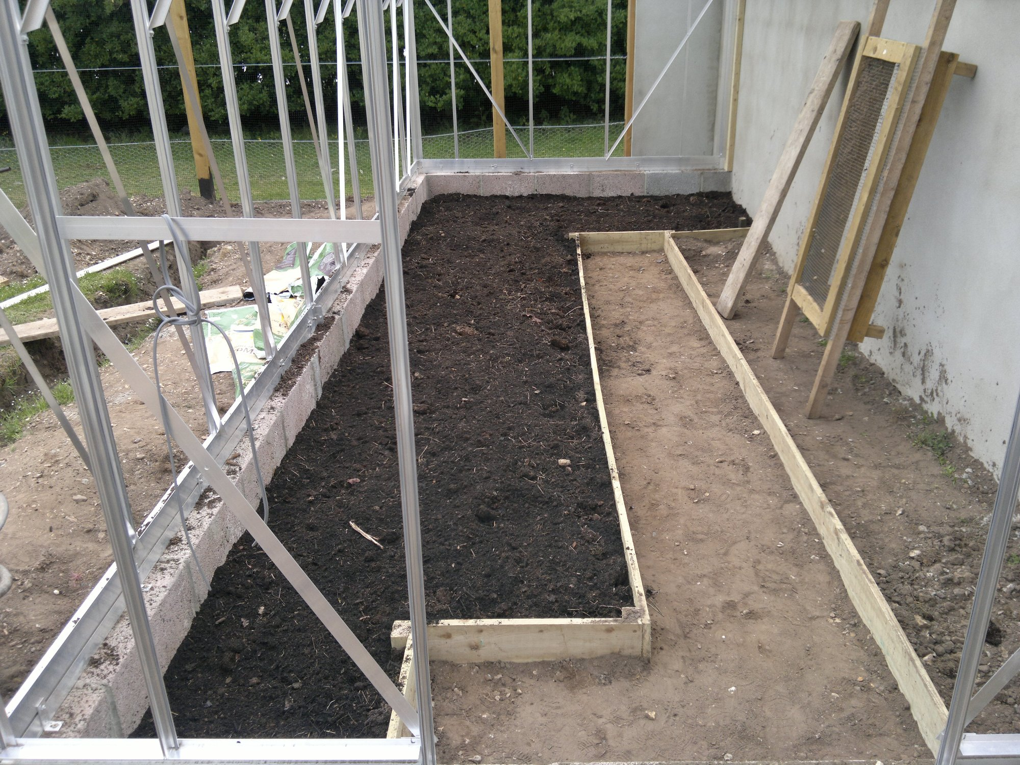 Bed finished with more manure and composted green waste