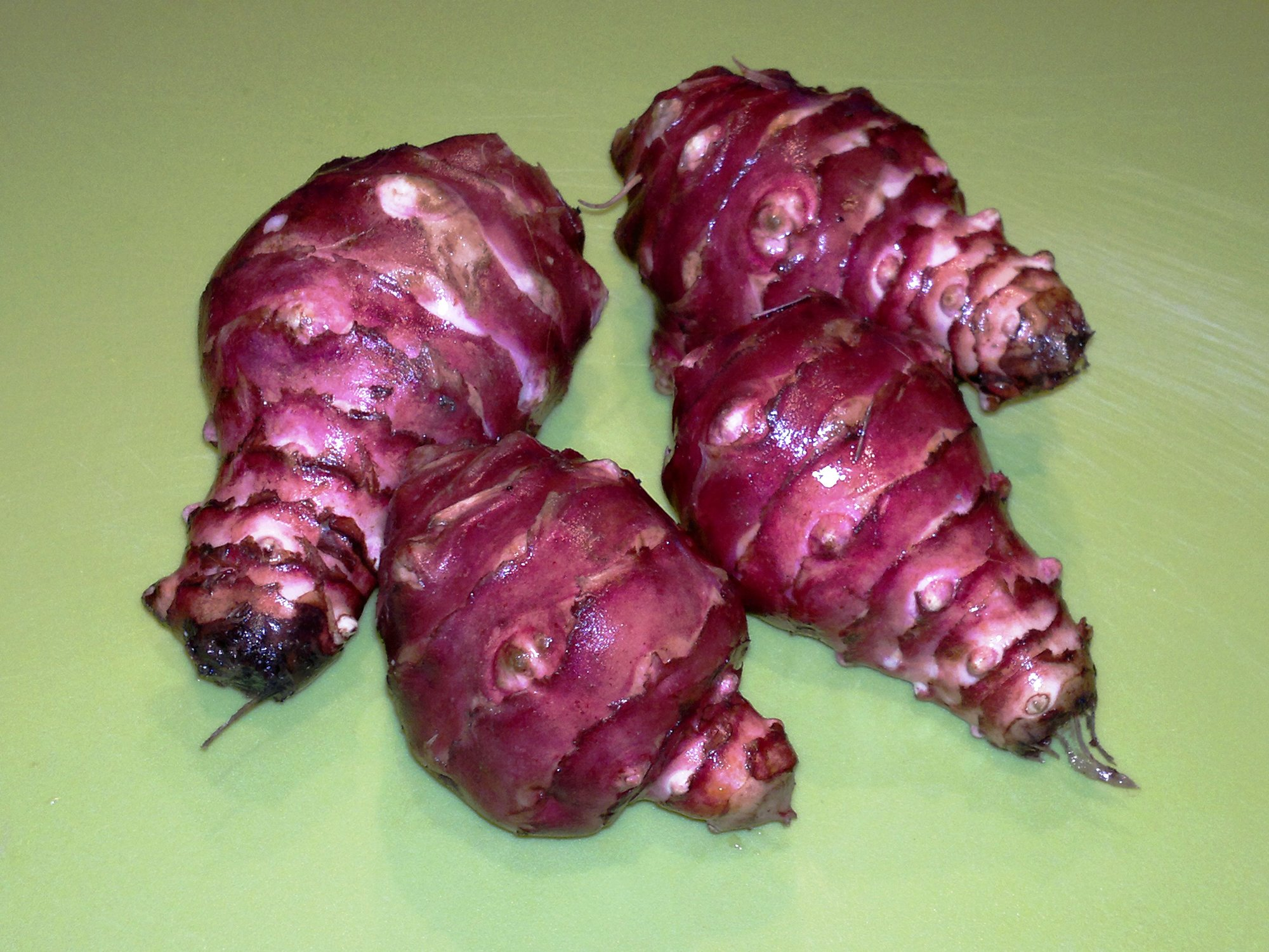The attractive tubers of Violet de Rennes, these four were typical specimens and weighed in at 675g