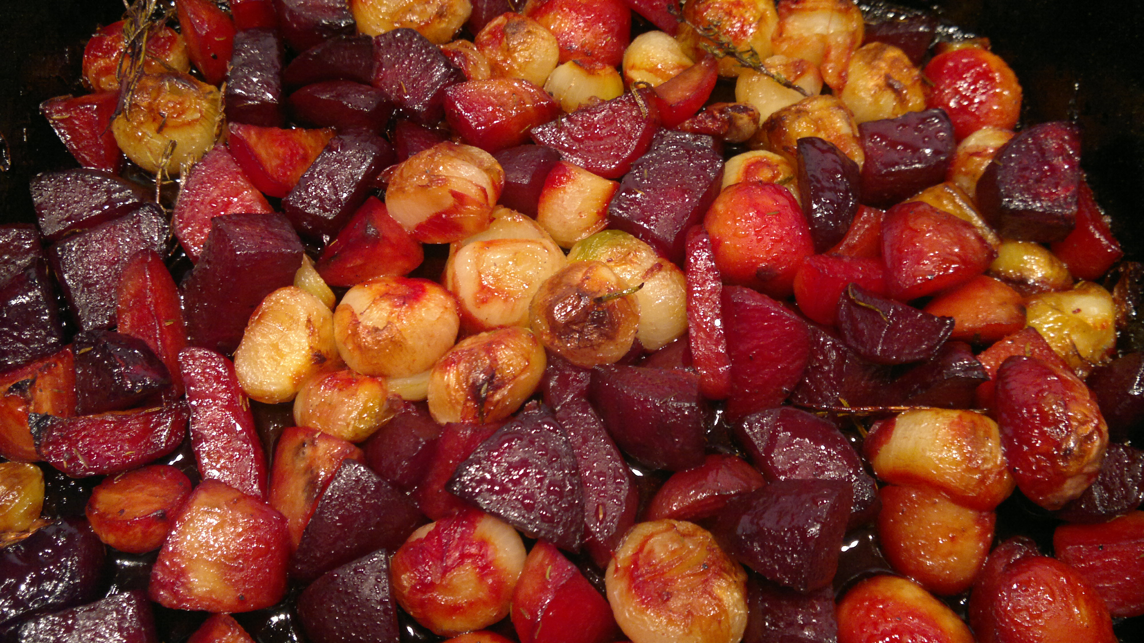Roasted beetroots and shallots