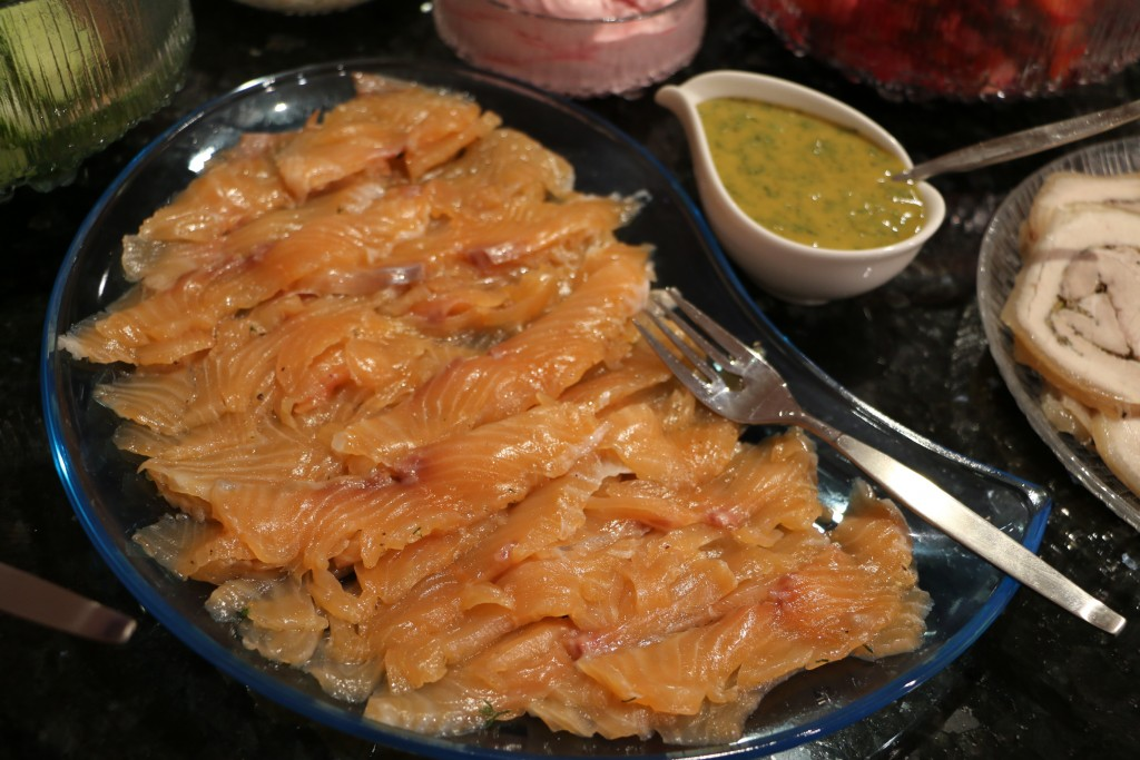 Gravad lax with dill sauce